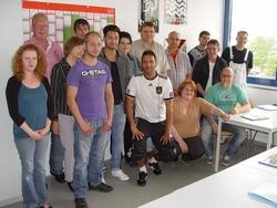 Über hervorragende Prüfungsergebnisse konnten sich die Umschüler des bbz freuen.