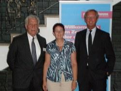 Die Europa-Abgeordnete Birgit Sippel (m.) besuchte die Kreishandwerkerschaft Märkischer Kreis und wurde von Hauptgeschäftsführer Dirk H. Jedan (l.) und dem Leiter des angeschlossenen Berufsbildungszentrums Wolfgang Linke begrüßt.